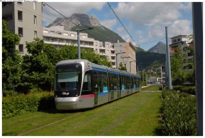 Light rail transit on sodded trackbeds in Grenoble, France