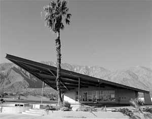 A gas station in palm Springs